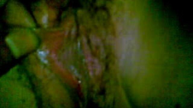 Hombre calvo se folla a una chica caliente gimiendo videos xxx madres solteras de éxtasis con amortiguadores elásticos