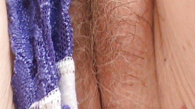 Chico se despierta madre e hijo subtitulado español durmiendo MILF penetrando su coño mojado