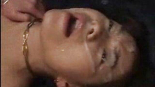 Hombre follando a mi madre dormida musculoso se folla por el culo a una pelirroja