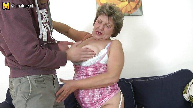 Sexo follando con mami con una belleza tetona