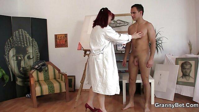 Atlético guapo ordenó un franco masaje a una chica mamas enculadas