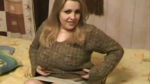 Lesbianas traviesas saben por dónde empezar el día videos pornos madres