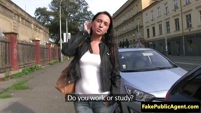 Chica rusa sedujo a la camioneta profesional del madres cojiendo chico