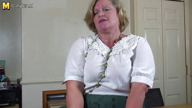 Tia madura seduce a un estudiante videos madre e hija lesbianas