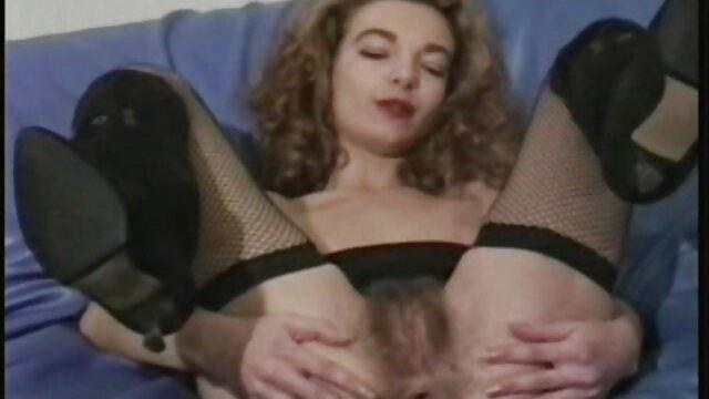 Un hombre disfrutó de una chica madre abusa de su hijo xxx sexy